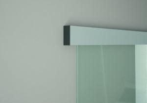 Glasschiebetürsystem dormakaba justo SLIDE AL, die preisgünstige Lösung für Glasschiebetüren