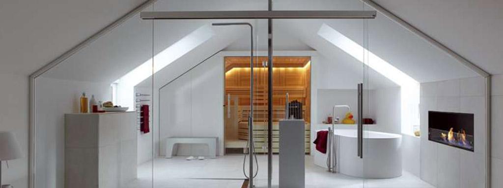 Glastüren von Ganzglastüre im Badezimmer