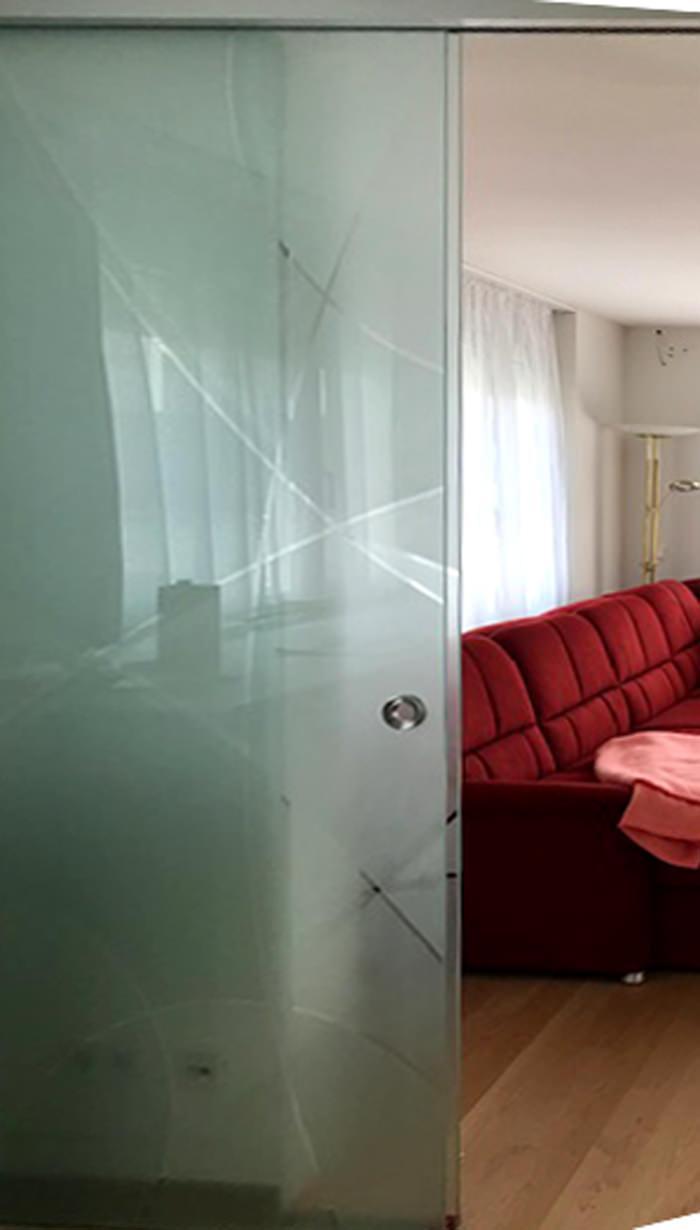 Referenz Glas-Schiebetür Wohnbereich