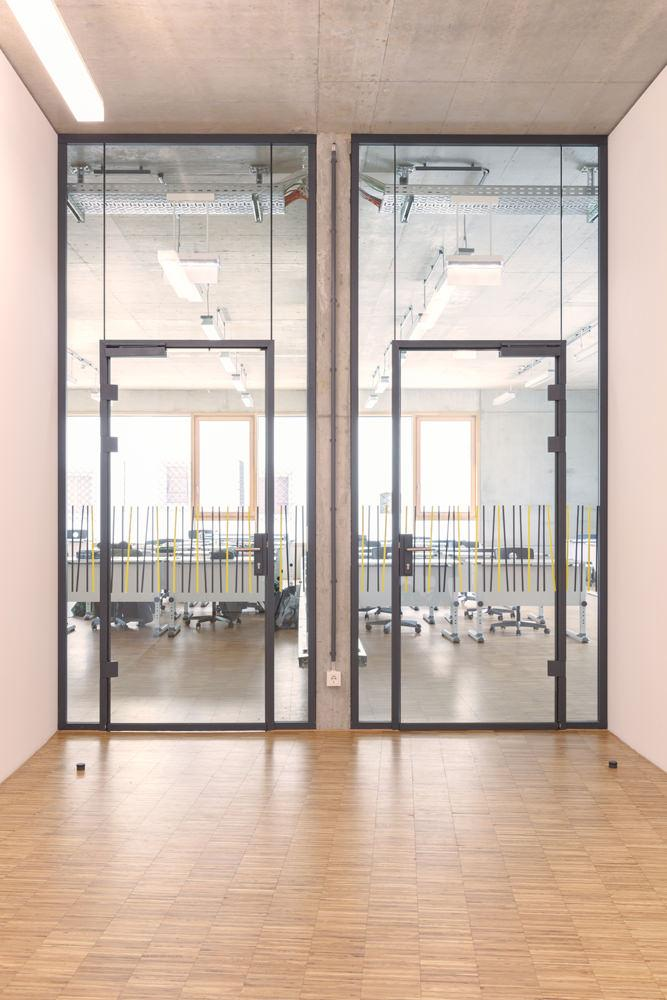 Uniquin Glasanlagen Glastrennwandsystem von dormakaba, Design und Schallschutz für fast jeden Einsatzbereich - www.ganzglastuere.de